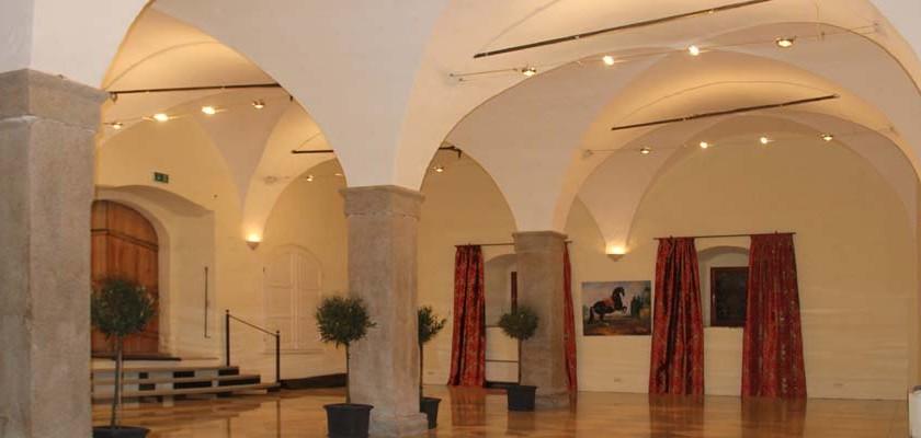 Landschloss_Parz_Schloss-Gewoelbe_940x400