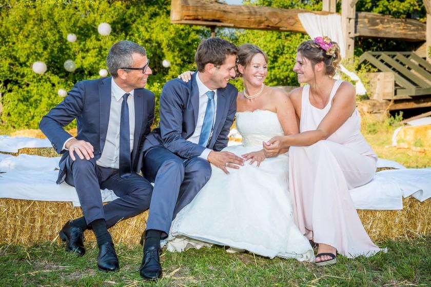Hochzeitsfotograf-ThomasMagyar-Brautpaar-mit-Trauzeugen