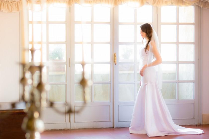 Hochzeitsfotograf-ThomasMagyarFotodesign-Braut-wartet