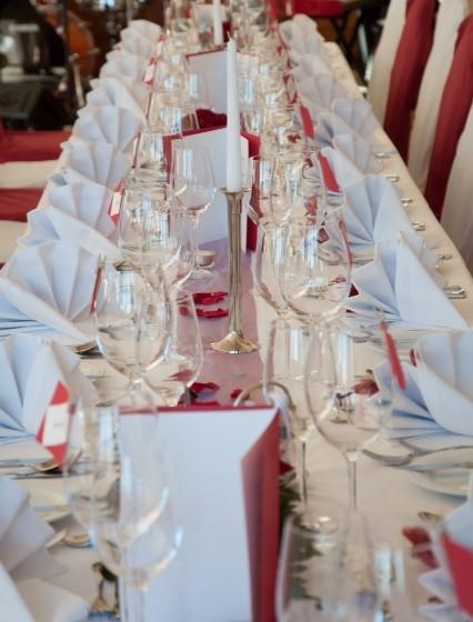 Tafeln zur Hochzeit