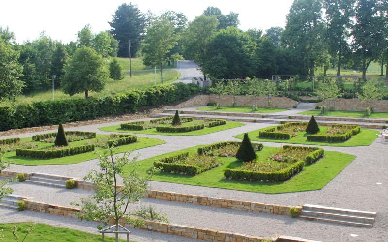 Heiraten im Garten Landschloss Parz Oberösterreich Grieskirchen
