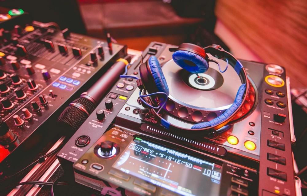 Schritt 6: Hochzeitsbands und DJs
