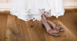 Die perfekten Accessoires – Von den Schuhen bis zur Schleppe