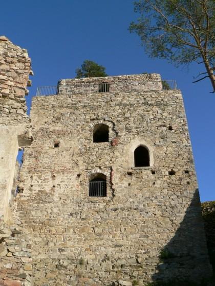 4 Bergfried Juni 05