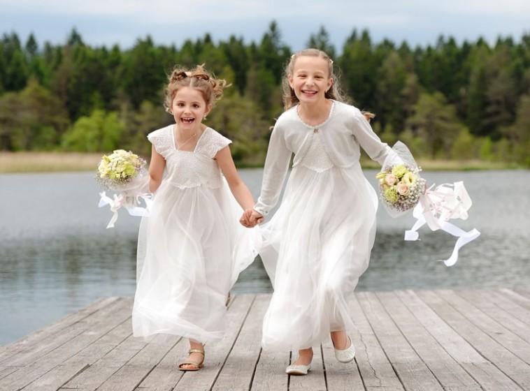 1-Hochzeitsfoto-Blumenmädchen-Seefeld