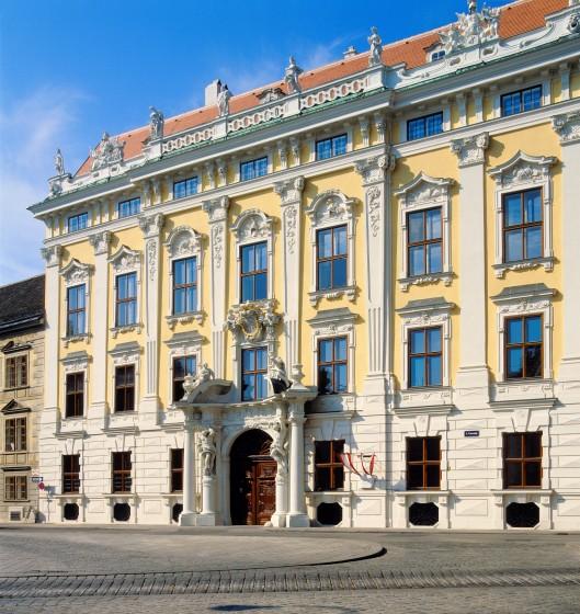 1_Außenansicht_Palais Daun-Kinsky
