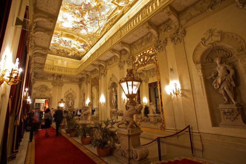 2_Feststiege_Palais Daun-Kinsky