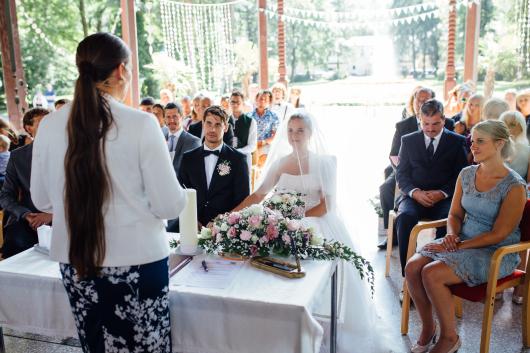 Die Ansprache handelt von Braut und Braeutigam