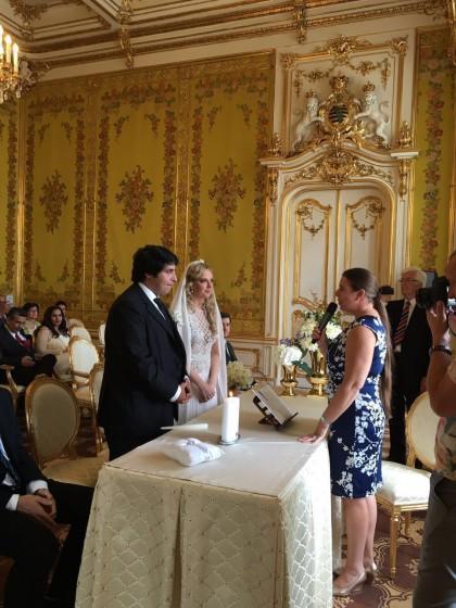 Hochzeitsrednerin bei zweisprachiger Trauung im Palais Coburg