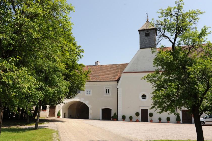 Schloss_westansicht_02