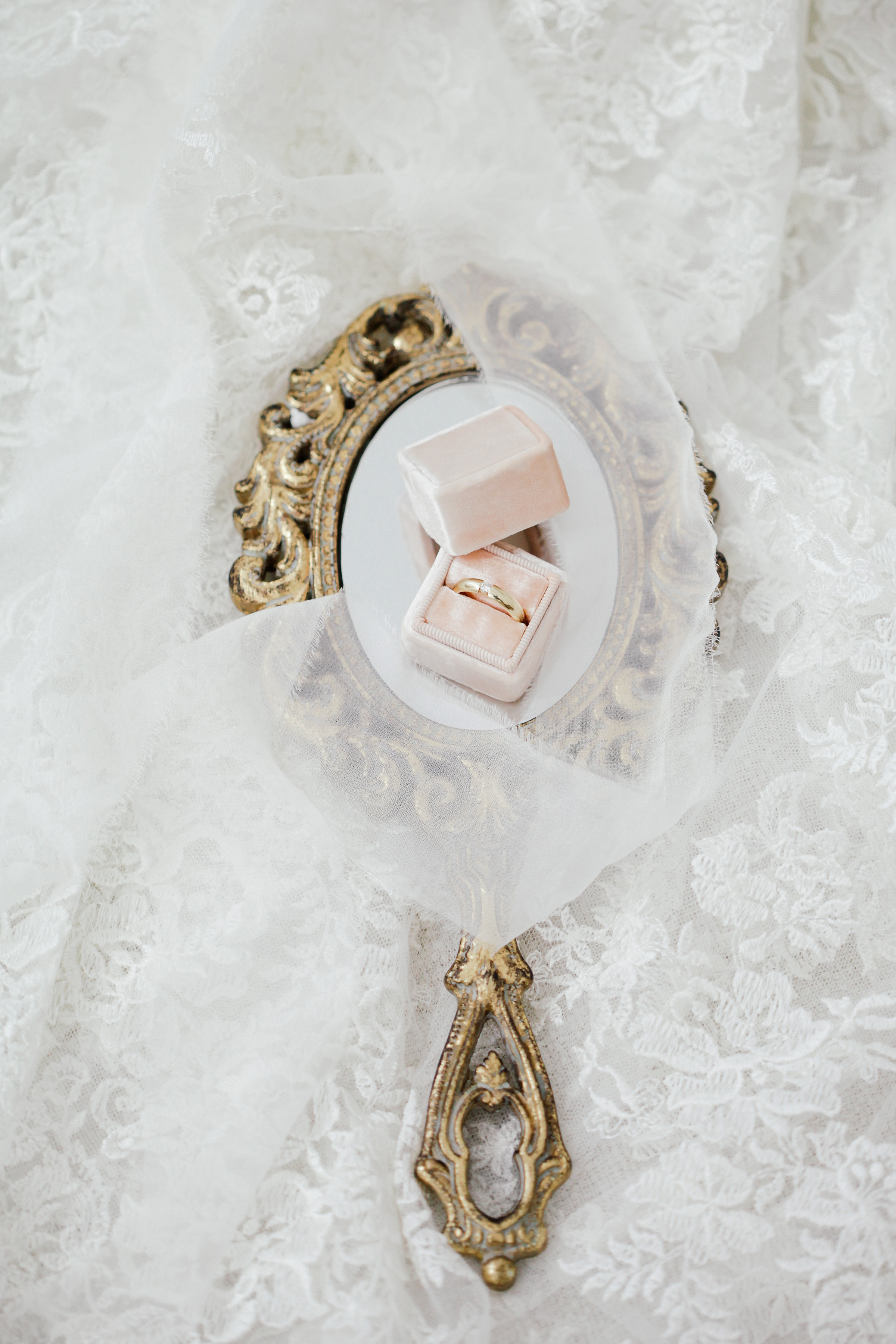 Melanie Sharma – wedding décor & styling