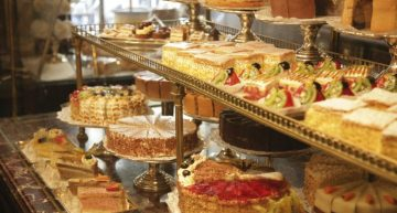 demel-vitrine-header-home