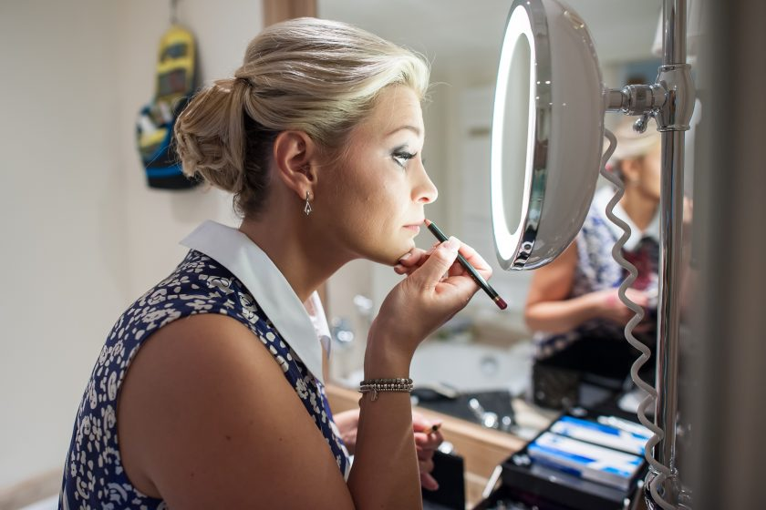 Braut Make Up Vorbereitungen hotel