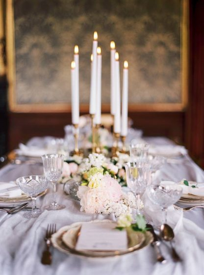 @Melanie Nedelko Photography_elegant table setting