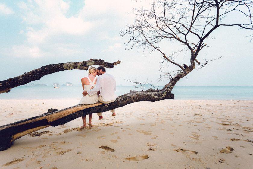 engagement-verlobungsshooting-thailand-strand