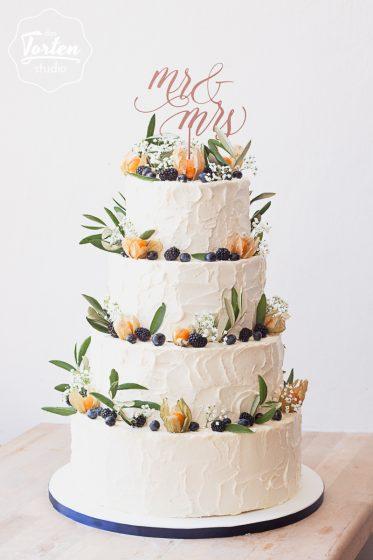 Das_Tortenstudio_Hochzeitstorte_Buttercreme_Herbst_Beeren_Physalis_Cake_Topper-4649