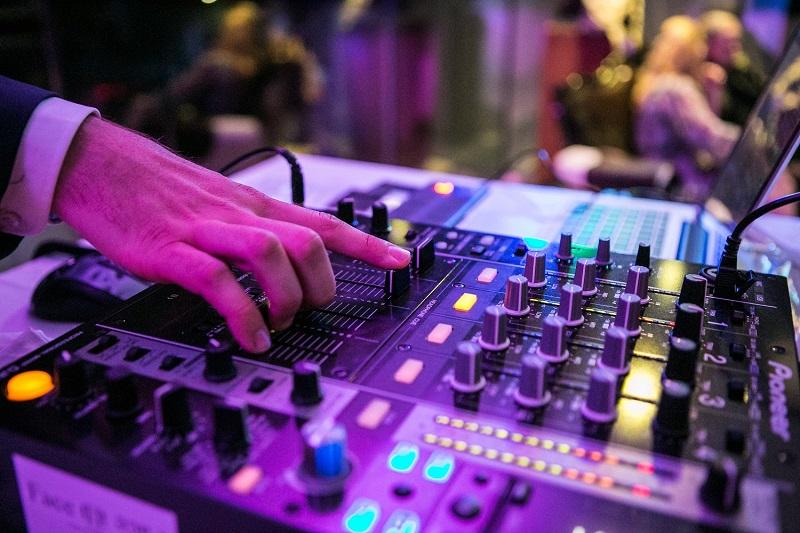 Face II Face – Ihr exklusiver DJ Service!