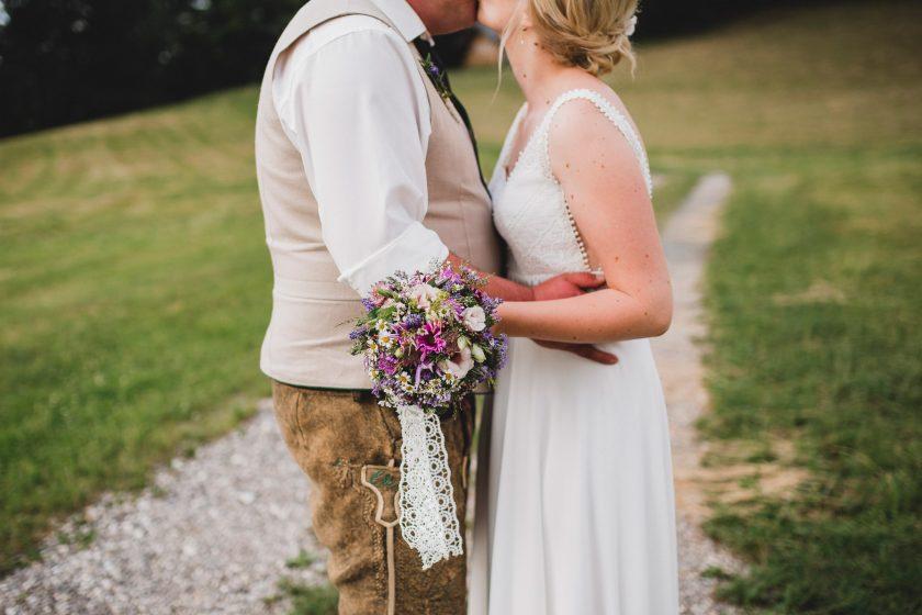 Hochzeit_Mondsee_Brautpaar_Hussenbauer