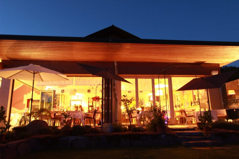 Restaurant bei Nacht (22)