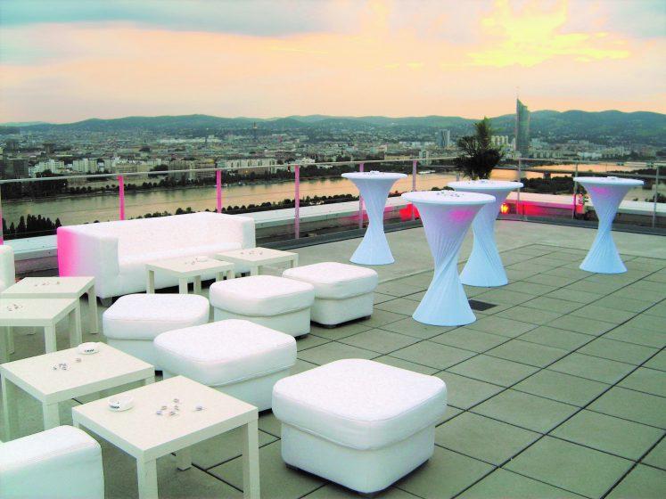 Terrasse - Loungemöbel & Stehtische