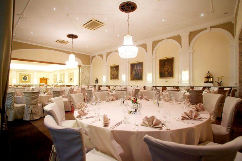 Festsaal im Hotel Stefanie(c)Schick Hotels