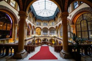 3_Palais Ferstel Feststiege (3)