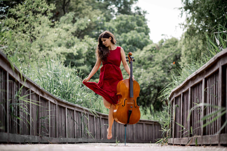 carola_cellist