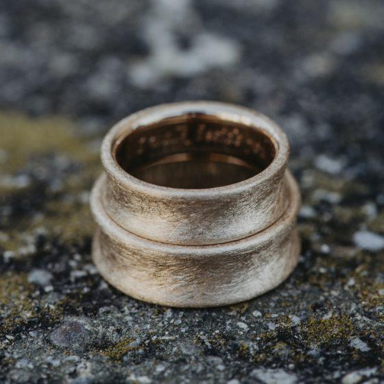 Feinheit Goldschmiede Eheringe 2 HochzeitClick