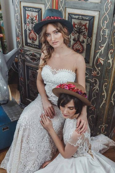We-Are-Flowergirls-Shooting-Bilder-highres-Neverland-Collection-Blumenkrank-Flowercrown-Seidenblumen-Hochzeit-Headpiece-Wedding--28