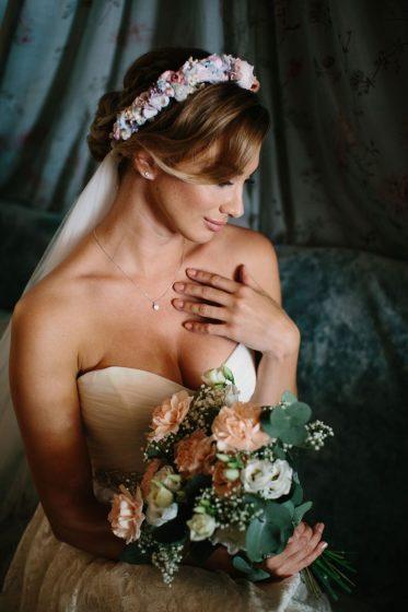 WeAreFlowergirls-Blumenkranz-Flowercrown-Hochzeit-Wedding-Flowers-Blumen_ÖSTEERREICH