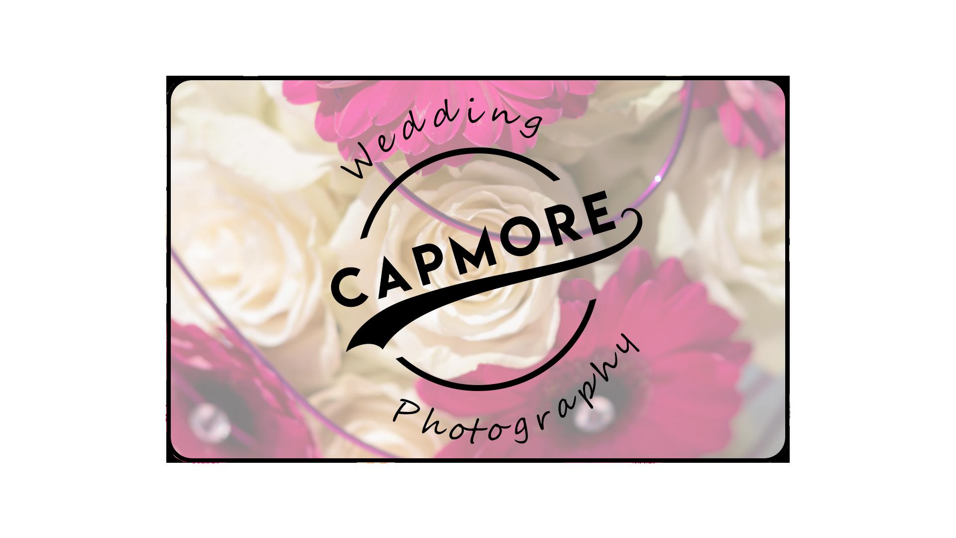 2019-10-06_Logo_Entwurf_Capmore Wedding_Rahmen_Transparent_Blumen