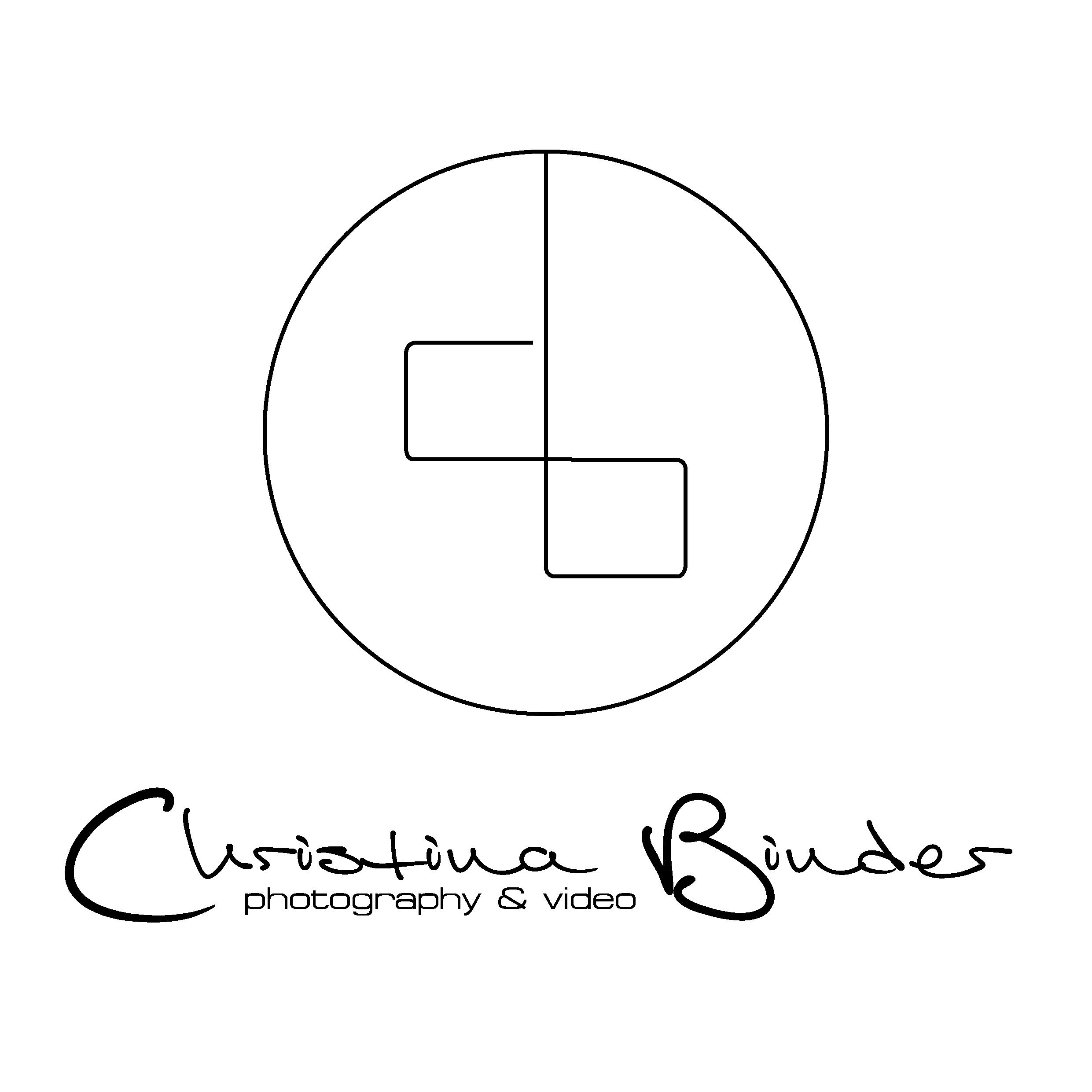 Logo_mittig_Name_abstract_schwarzaufweiß-01