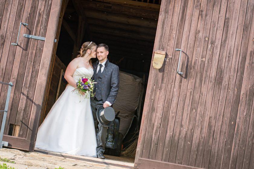 wedding-2844555_1920