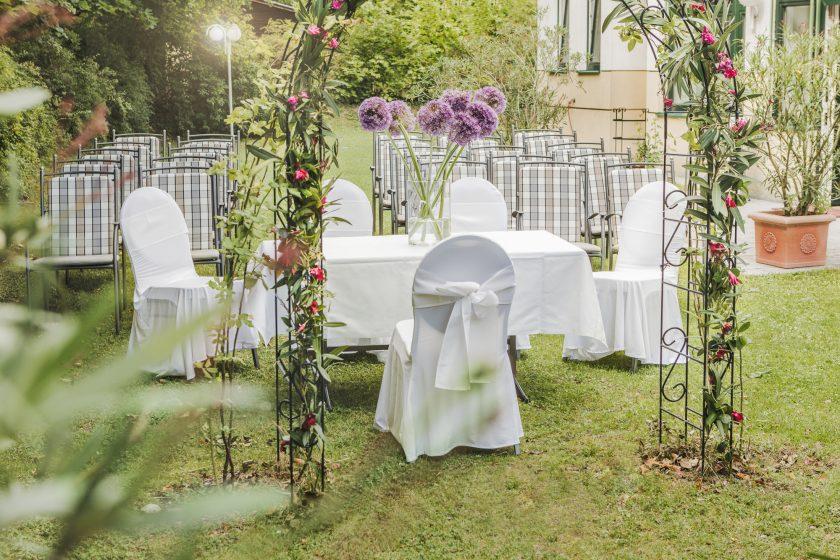 Trauung im Hochzeitsgar