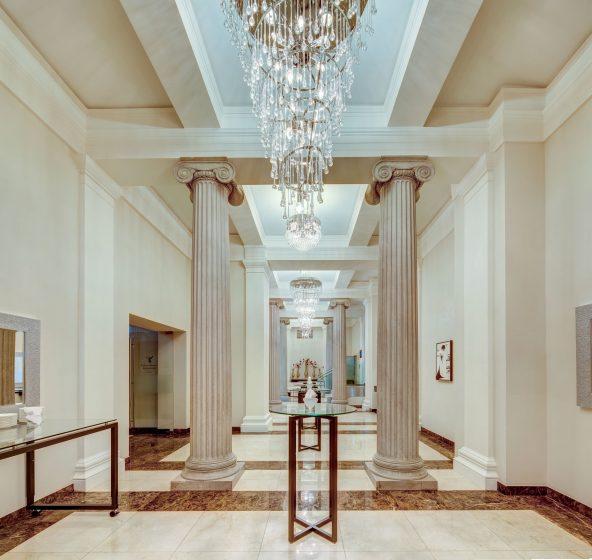 KIVIE1 - Pillars Foyer 2