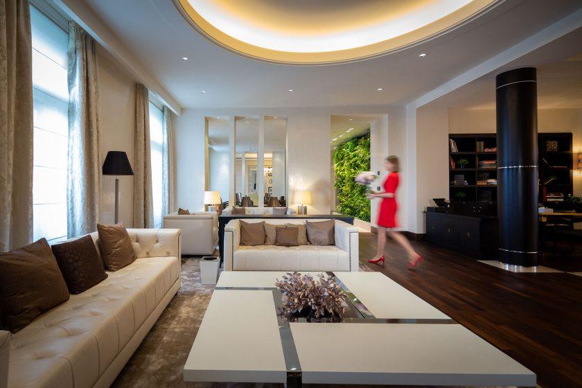 KIVIE1 - Presidential Suite - Living Room 1