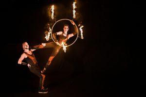 Wunderschöne Akrobatik - Hochzeits Feuershow 01
