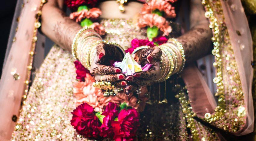 Traditionelle Hochzeitskleider aus aller Welt- ein