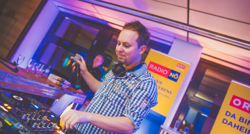 SHOWTIME PREMIUM DJ SERVICE