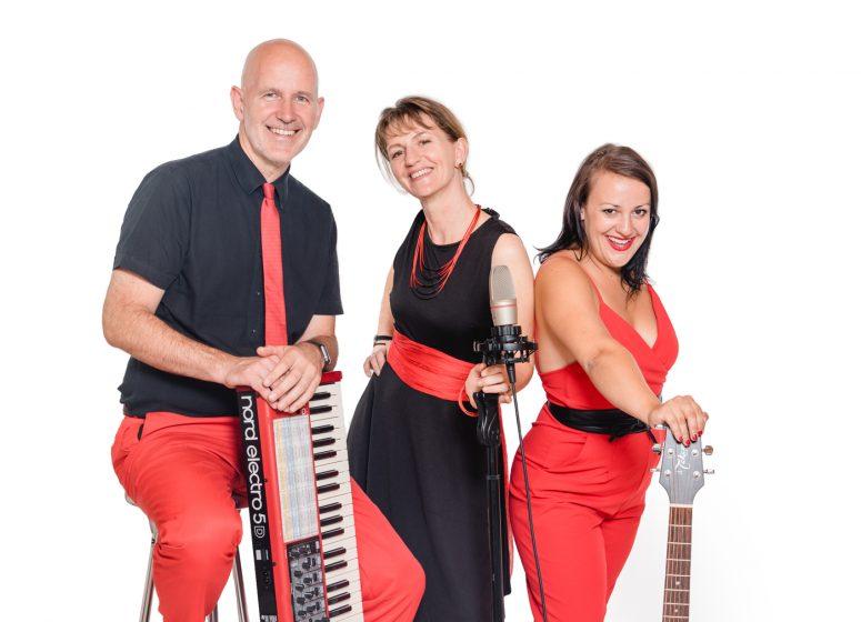 VoicesAndMusic-Trio