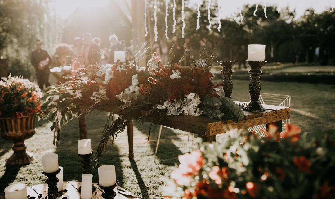 Hochzeitsdeko für eure Gartenhochzeit – 5 Tipps