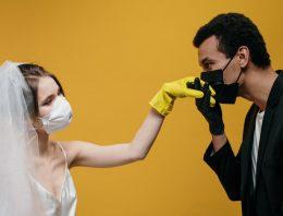 Quarantäne statt geplanter Hochzeit? Zweisam durch die Corona-Krise