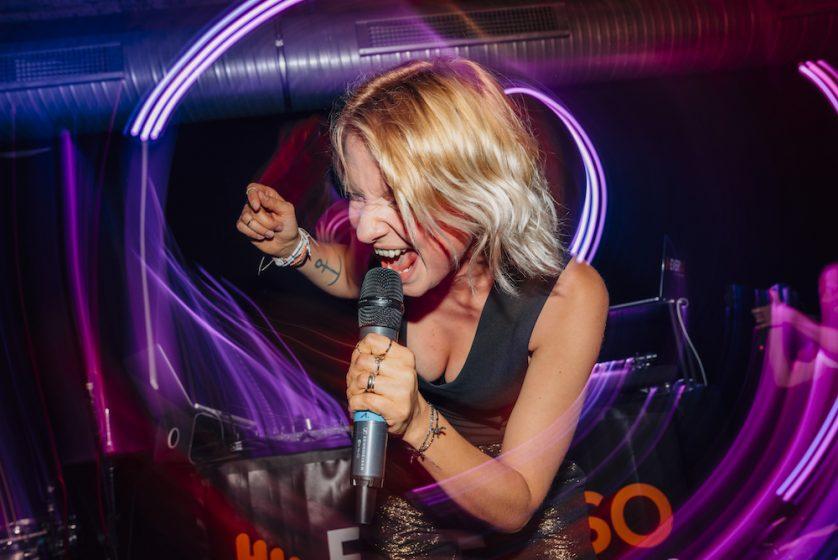 Sängerin Tini 2