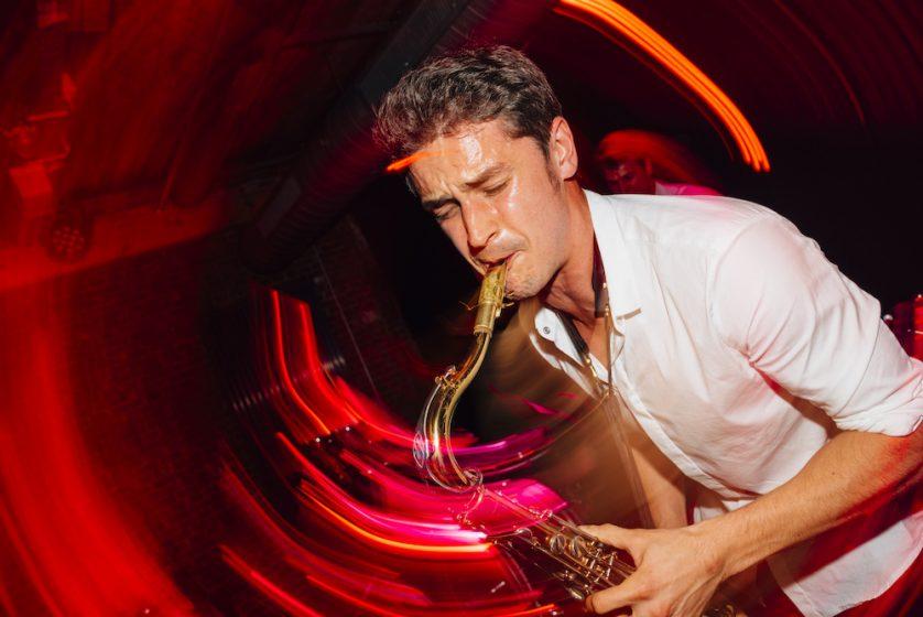 Saxophonist Kamil 3