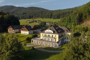 Sheraton Fuschlsee-Salzburg Hotel Jagdhof - Exterior (2)