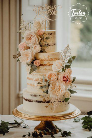 Das_Tortenstudio_Hochzeitstorte_Semi_Naked_Cake_Blattgold_Blush-4