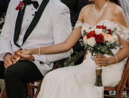 Günstige Hochzeit – 14 Tipps wie ihr als Brautpaar Geld sparen könnt