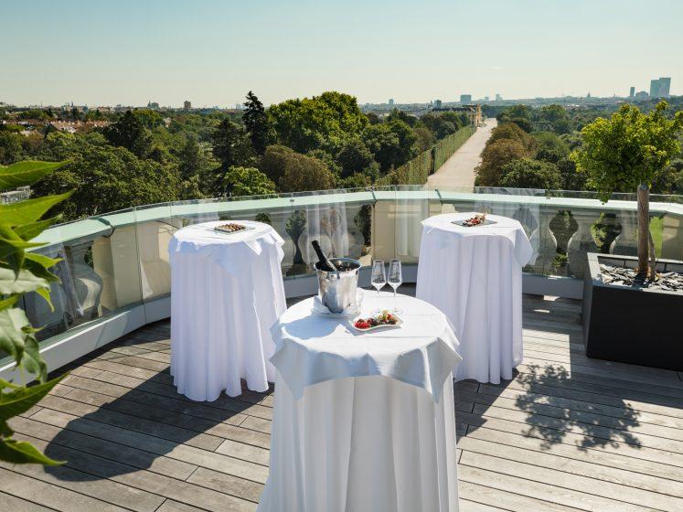 Austria Trend Parkhotel Schönbrunn Kaiser Suite Terrasse Meeting Setup
