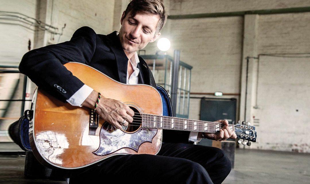 Lee MacDougall – Solo Sänger/Gitarrist