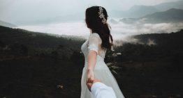 Schlichte Brautkleider – Inspirationen